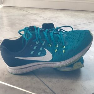 Nike Zoom Structure 19s